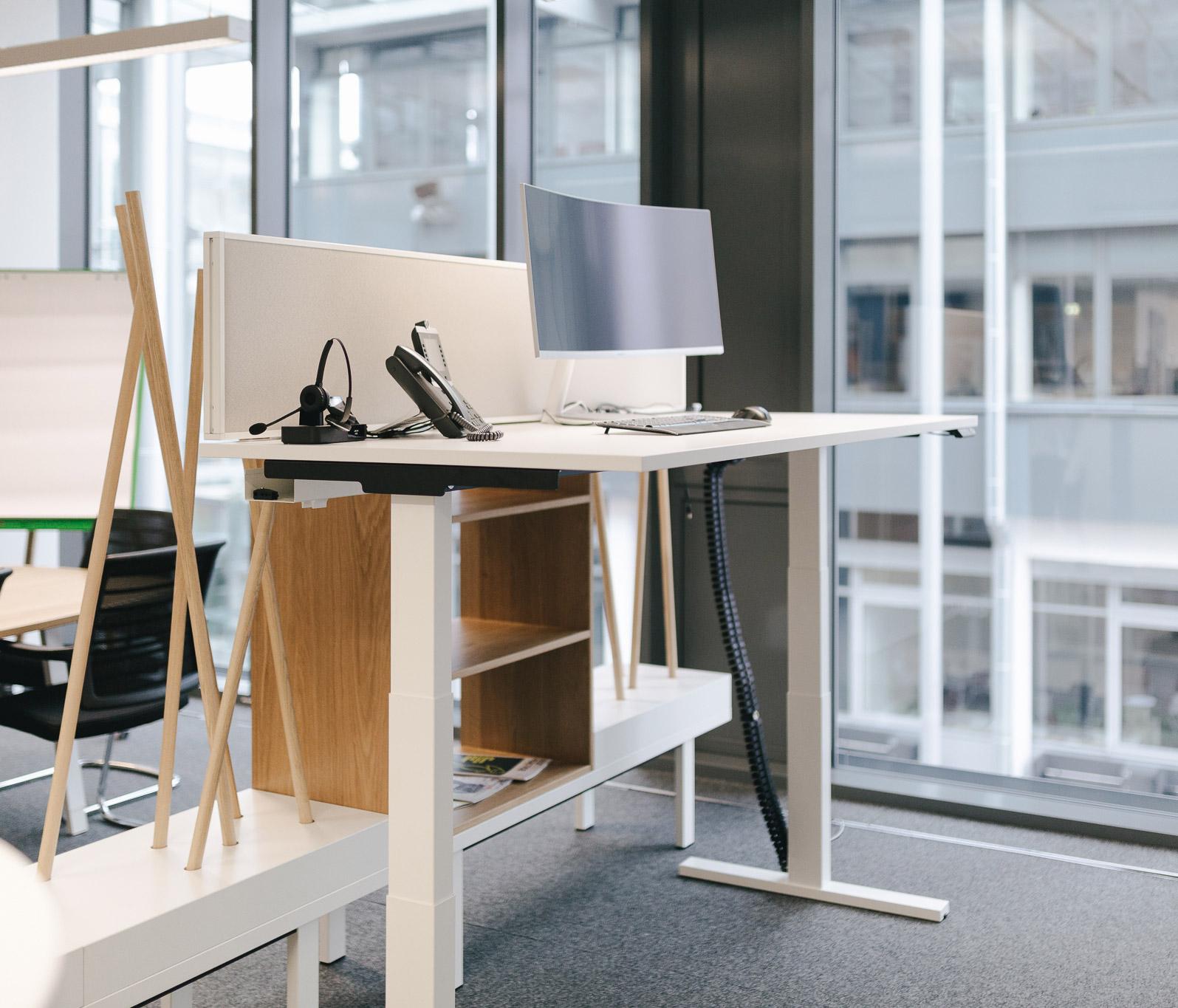 K-Fino-Lift-ergonomischer-Schreibtisch-kühnlewaiko